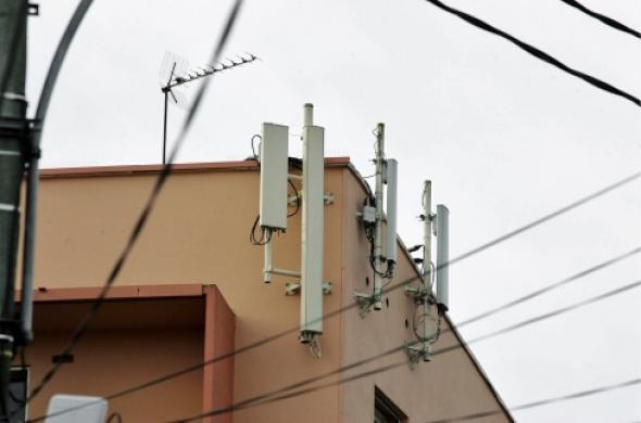 Opérateurs, riverains et mairie travaillent sur une future charte des antennes.