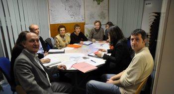 Les collectifs et la municipalité se sont réunis pour décider des futeurs actions à mener.Photo DDM, A.A