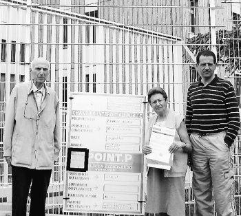 Alphonse, Marie-Thérèse Rigon et Jean-Michel Mathieu, membres du Collectif, dénoncent le projet d'antennes./Photo DDM, G. F.