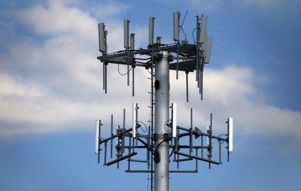 Antennes relais cellulaires: les preuves d'effets biologiques s'accumulent