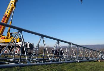 Pour des raisons de sécurité envers les membres de l'association BVA, l'antenne est restée à terre./Photo DDM, S. F.