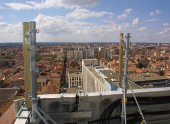 Les antennes relais fleurissent sur les toits toulousain. /Photo DDM archives