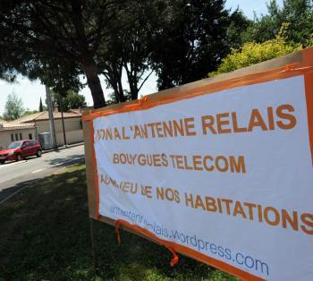 Toulouse : Quartier de Lardenne, Ondes négatives autour du pylône