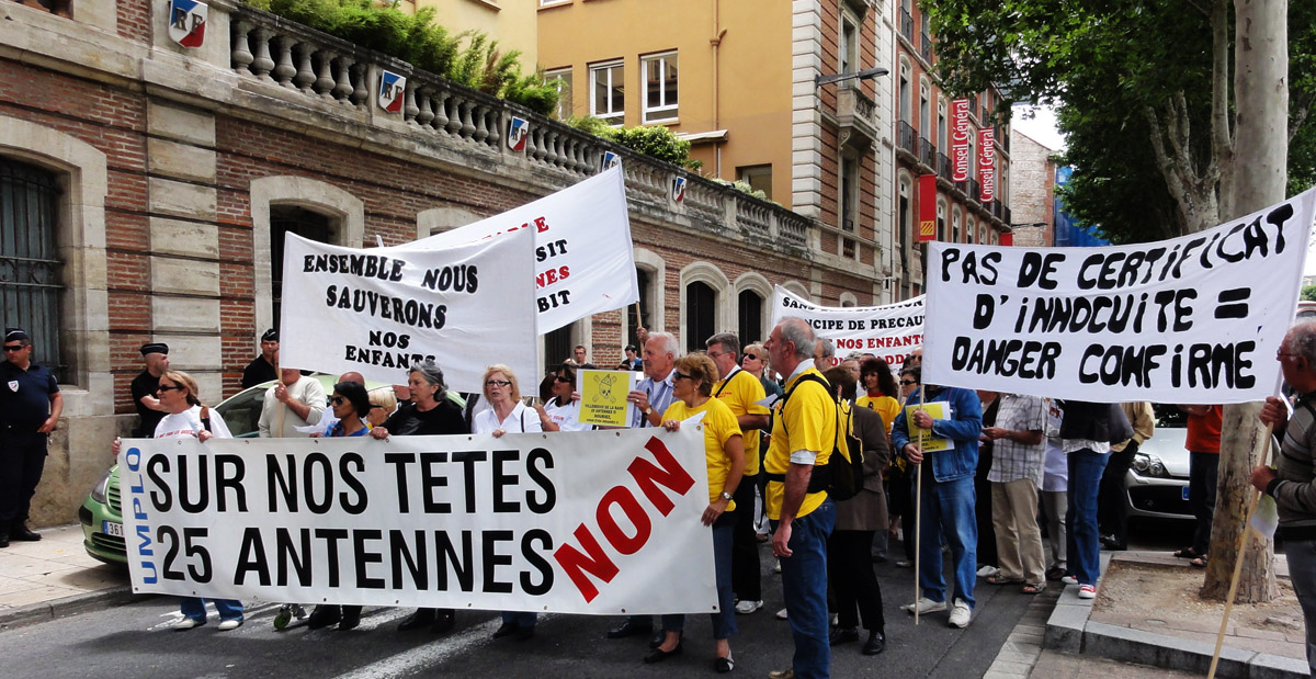 Villeneuve-de-la Raho : Antennes relais et Cancers infantiles Manifestation Préfecture Perpignan