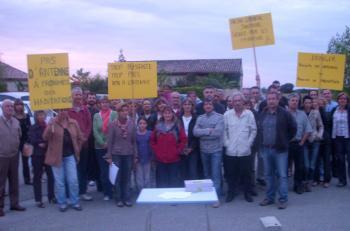 Les opposants au projet d'antenne sont mobilisés depuis septembre 2010./Photo DDM archives