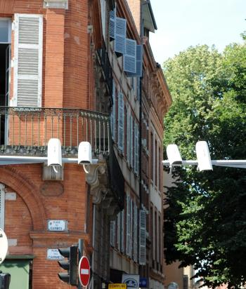 Les projets d'installation de trois nouvelles antennes relais inquiètent les habitants des Carmes./Photo DDM. ()