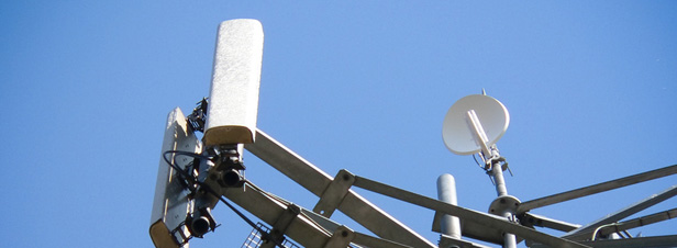 Antennes relais : de plus en plus difficile pour les maires d'invoquer le principe de précaution